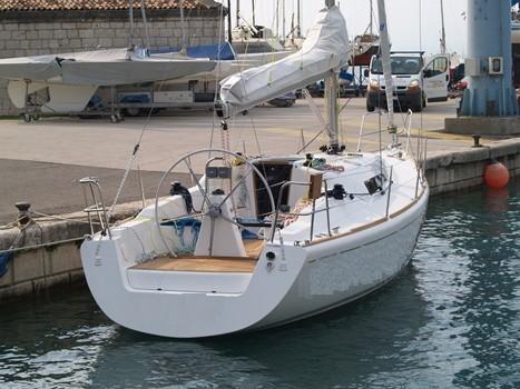 Barche a vela usate comar comet 33s lago di garda for Cabine vicino al lago di conroe