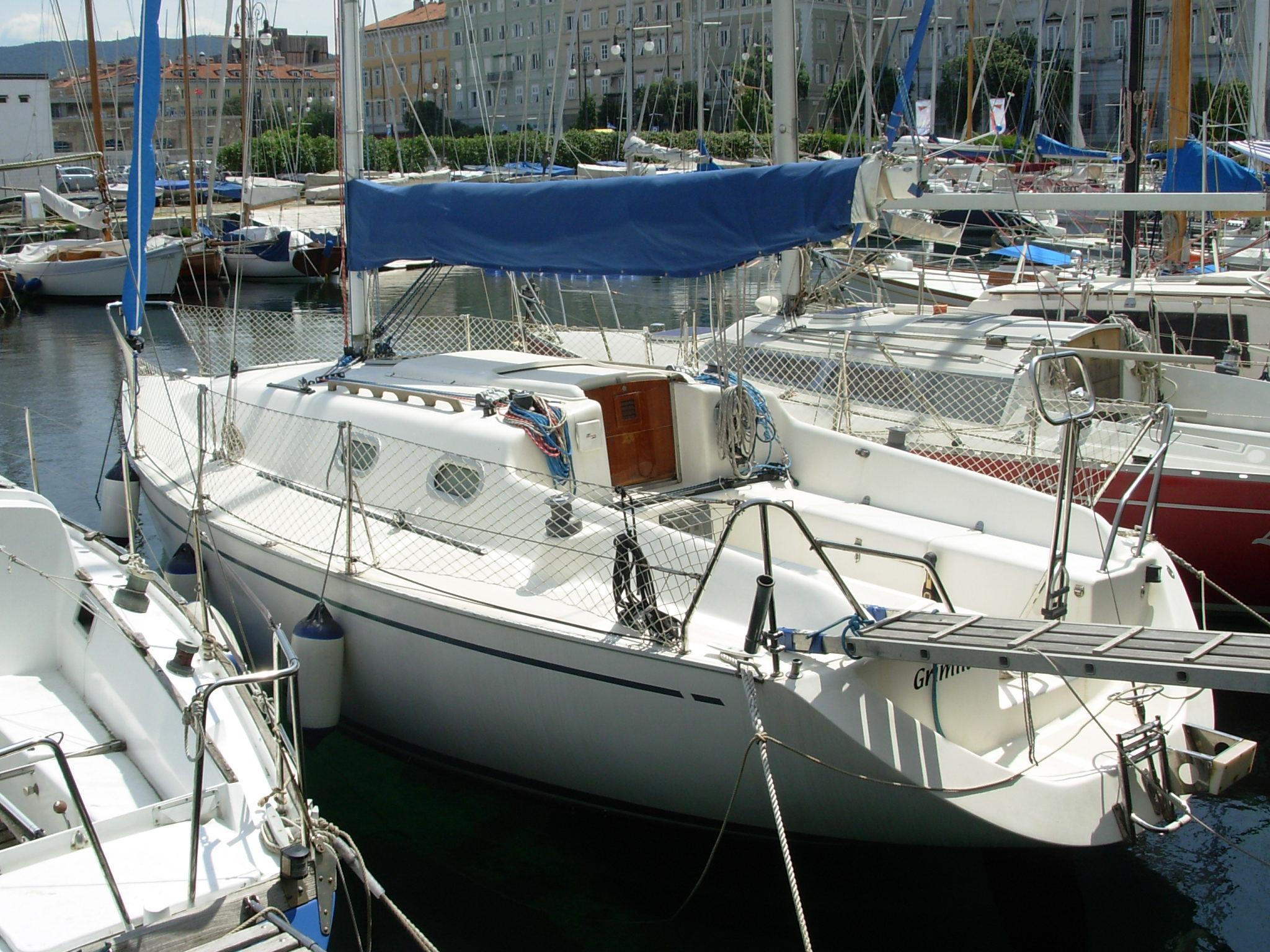 Barche a vela usate bonin bonin 30 5 trieste 1255 for Barche al largo con cabine
