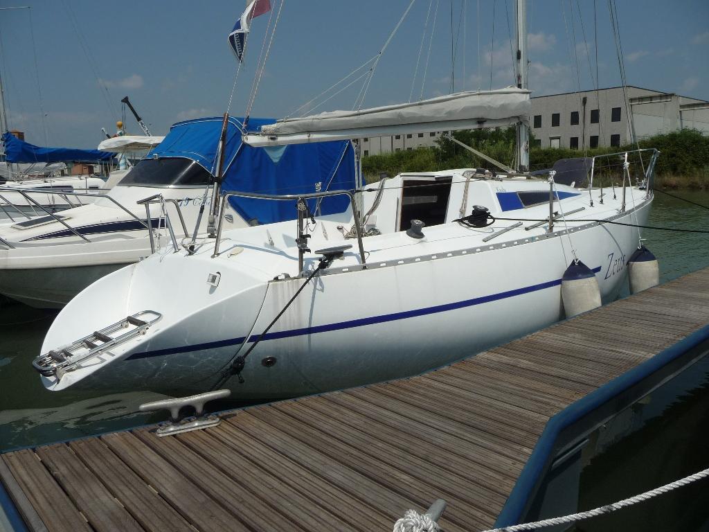 Barche a vela usate plastivela kudu marano lagunare for Barche al largo con cabine